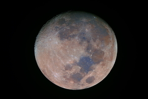 Aproaching full moon in full colors